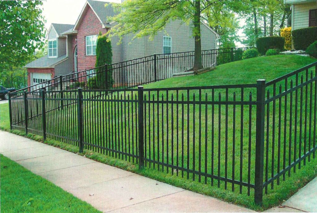 Front Yard Fence For Springfield Couple Lotsa Fence Options